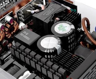 Toughpower iRGB PLUS Platinum (4)