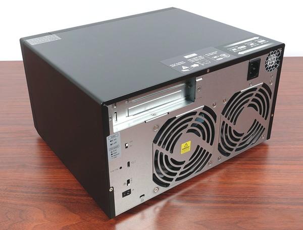 QNAP TL-D800C / TL-D800S review_04628_DxO