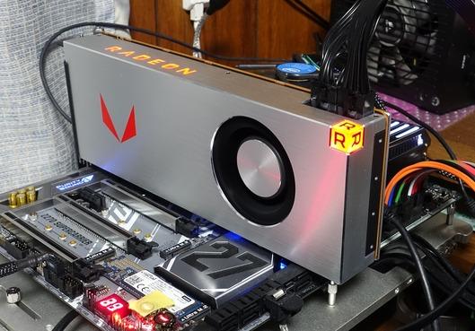 RX Vega 64の性能をAdrenalin EditionとCrimson ReLiveで比較
