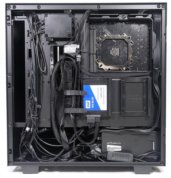 NZXT H500i review_06991_DxO