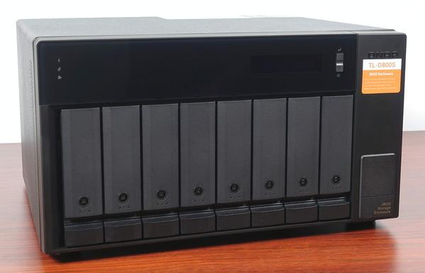 QNAP TL-D800C / TL-D800S review_04670_DxO