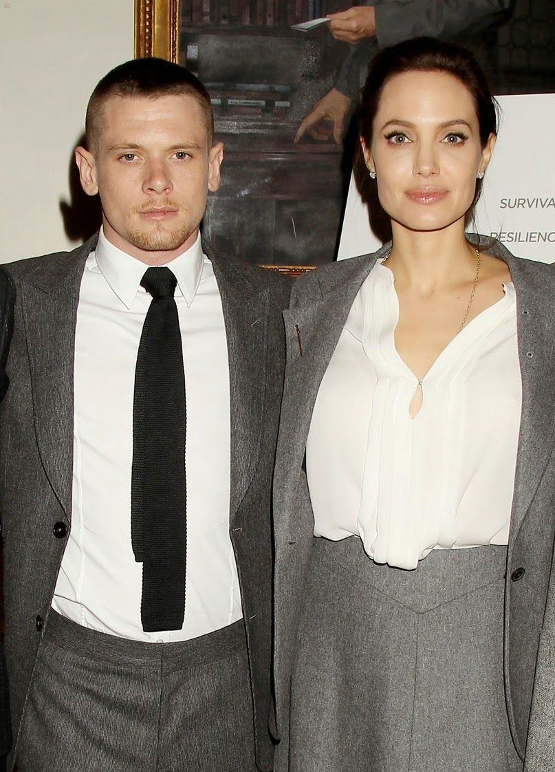 angelina-jolie-supports-her-cast-at-the-unbroken-premiere-01