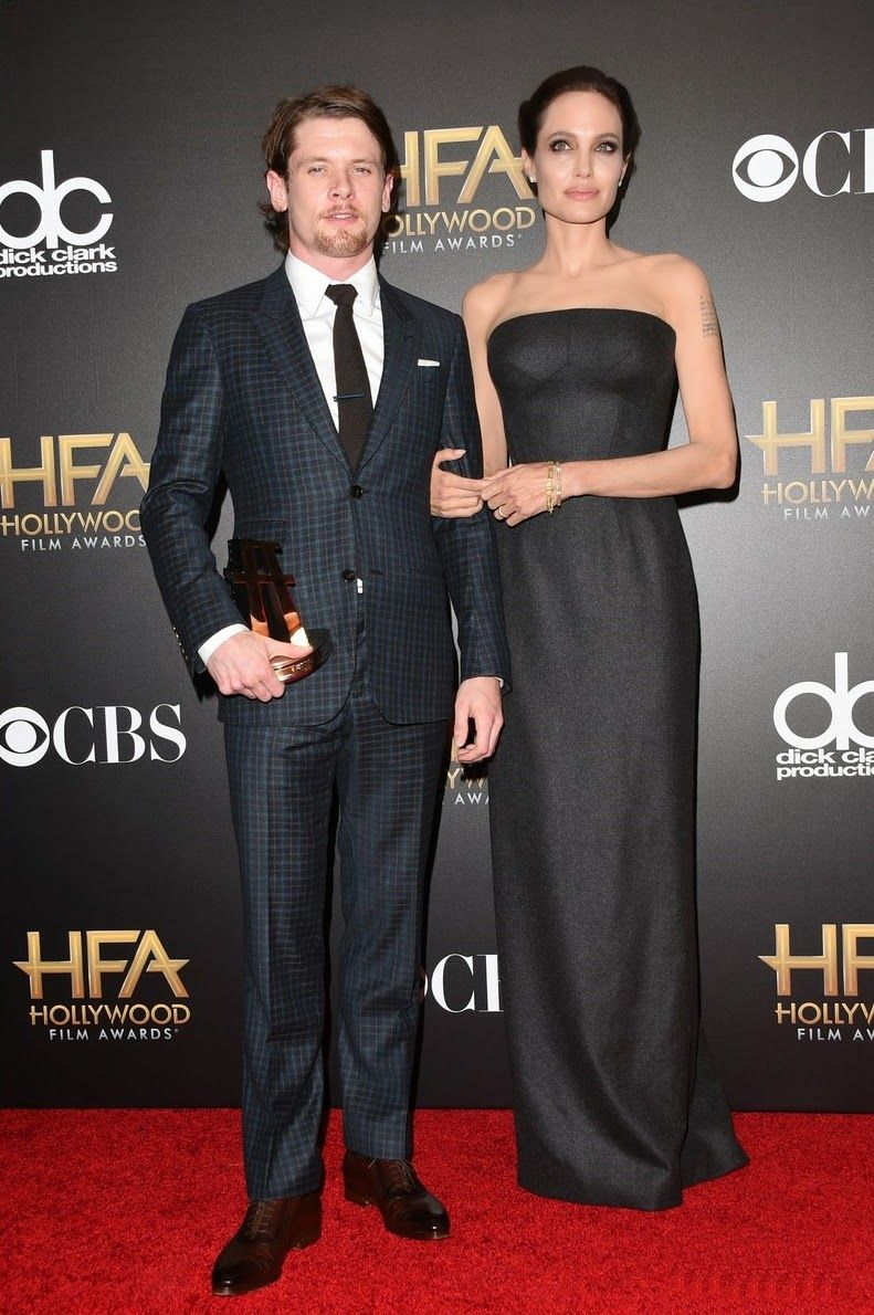 angelina-jolie-hollywood-film-awards-2014-23