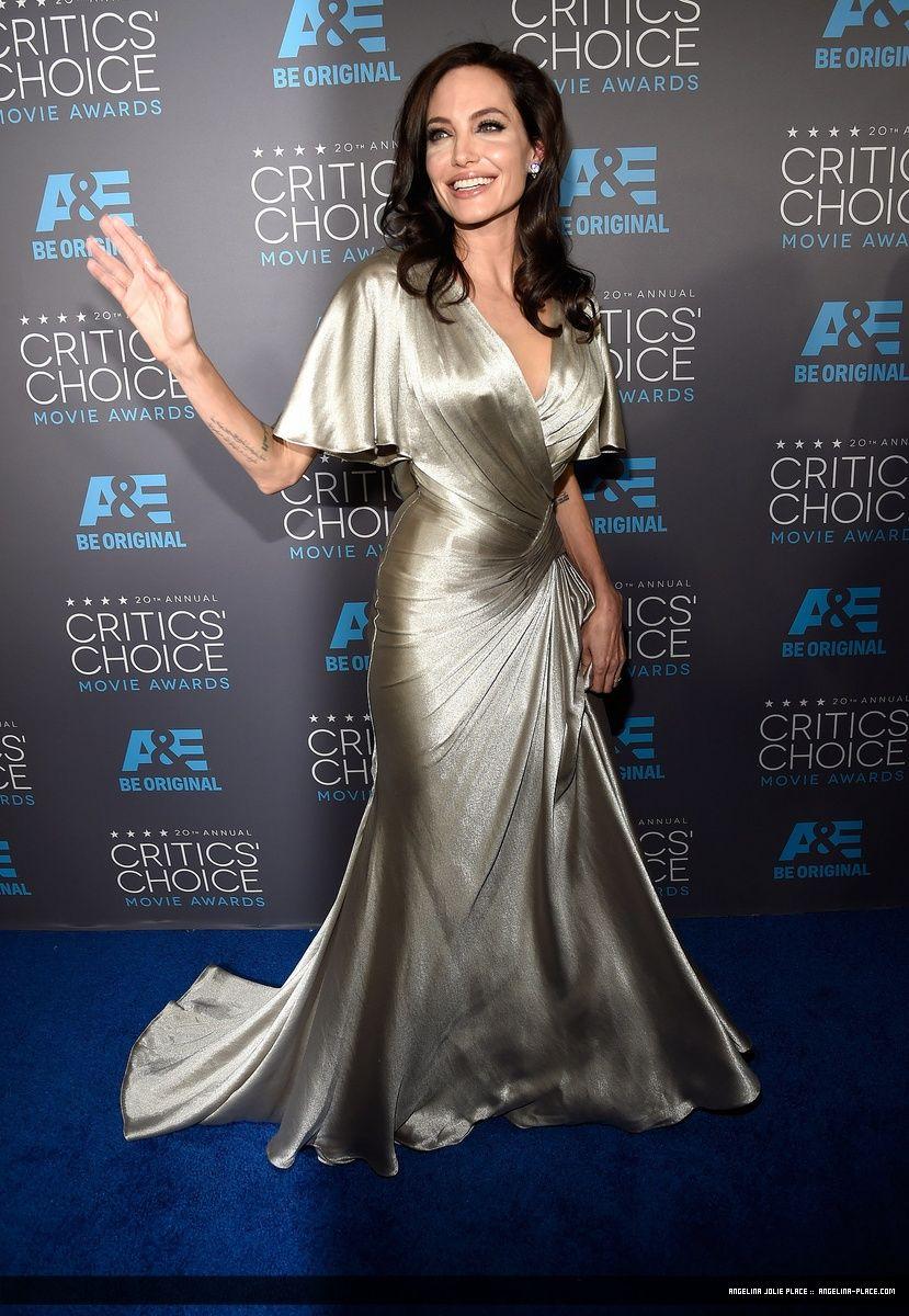 150115_Jolie_Critics_Choice_Award_10