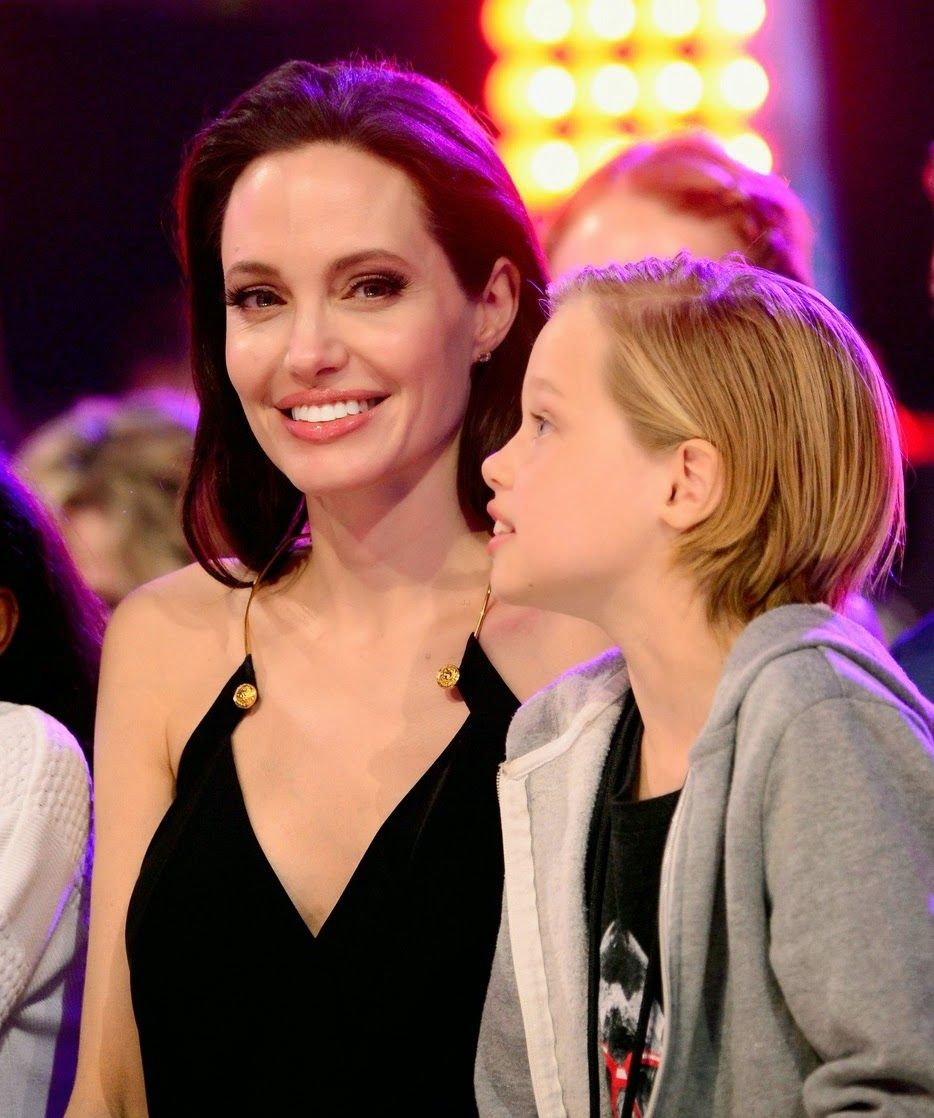 angelina-jolies-kids-have-best-reaction-to-kcas-win-22
