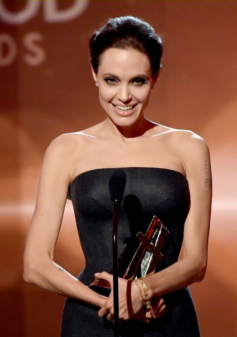 angelina-jolie-hollywood-film-awards-2014-07