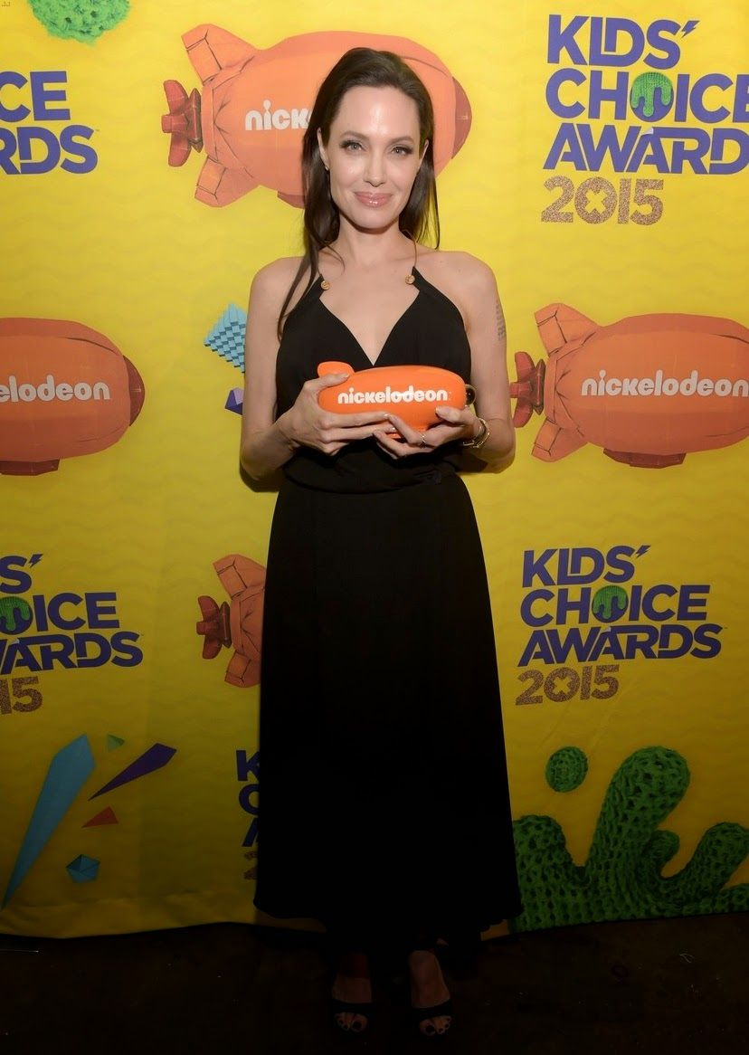 angelina-jolie-has-inspiring-message-for-kids-at-kcas-2015-01