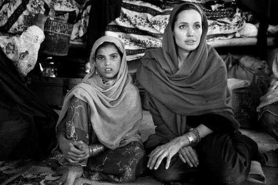 angelina-jolie-in-afghanistan03