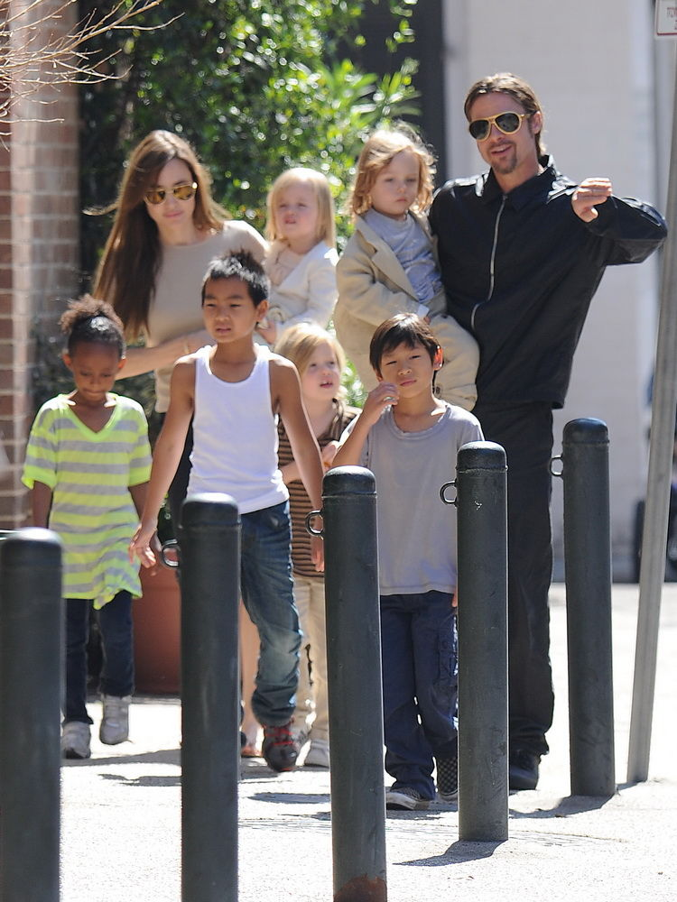 Happy-Birthday-Knox-Vivienne-Jolie-Pitt