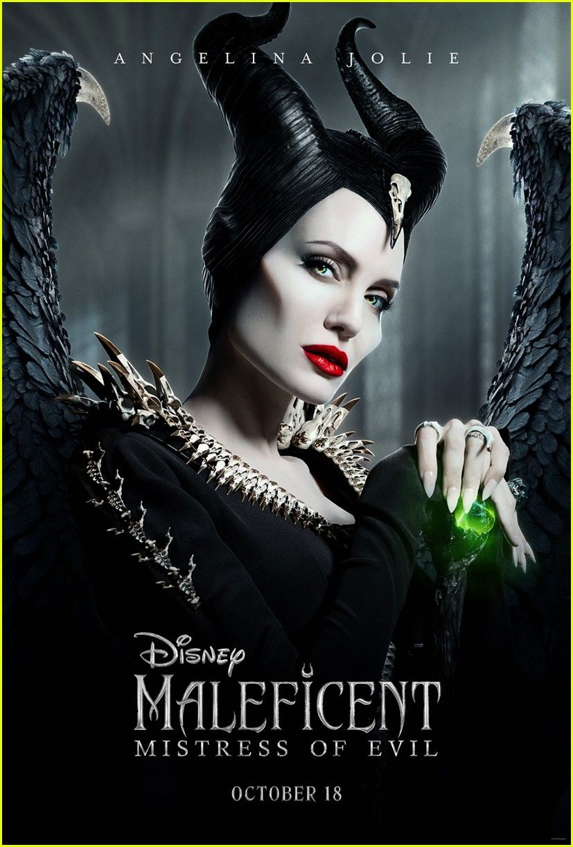 angelina-jolie-new-maleficent-poster-03