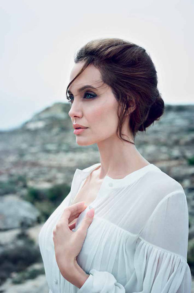 Winter_2014_DuJour_Magazine_Jolie_04