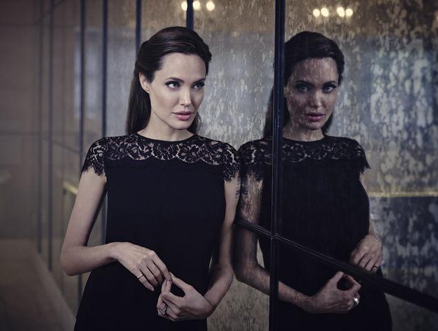 Angelina_Jolie_Jason_Bell_02