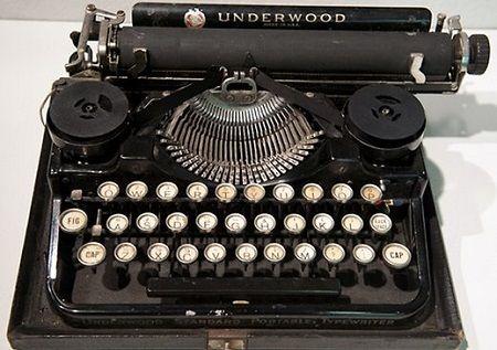 911368-ernest-hemingway-039-s-1929-underwood-standard