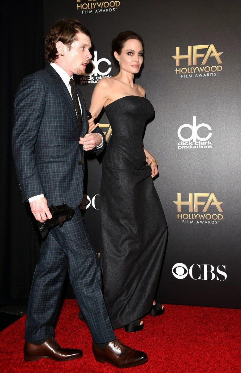 angelina-jolie-hollywood-film-awards-2014-03