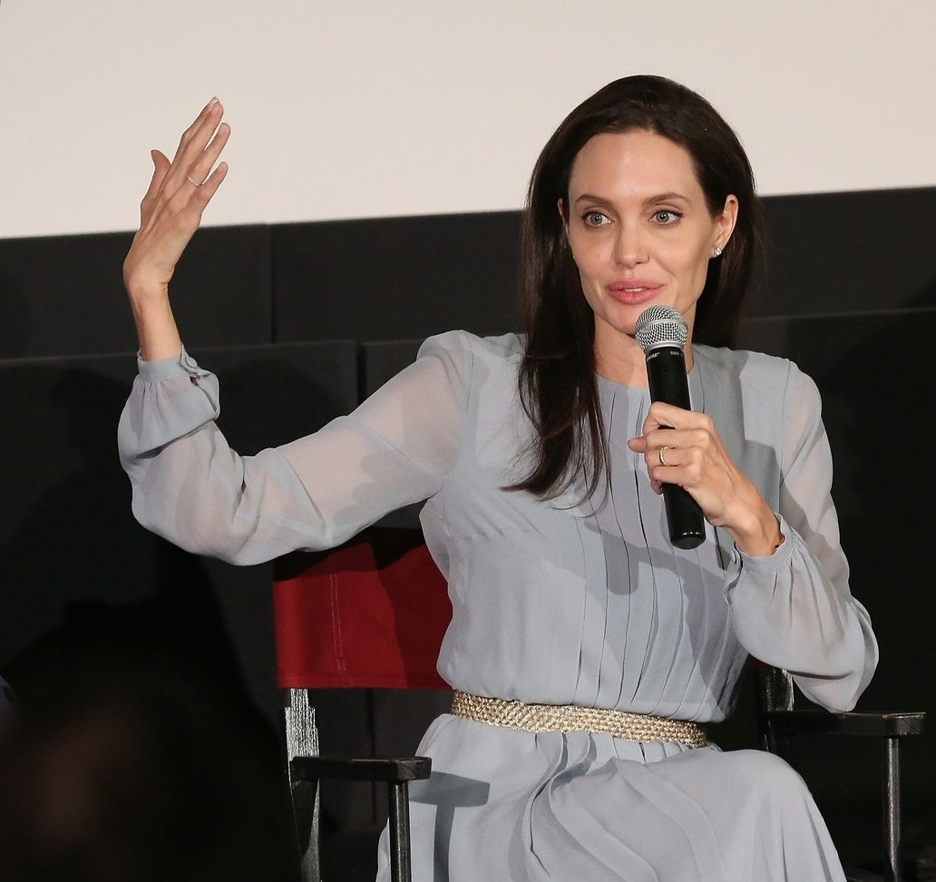 angelina-jolie-brad-pitt-couple-up-at-by-the-sea-screening-40