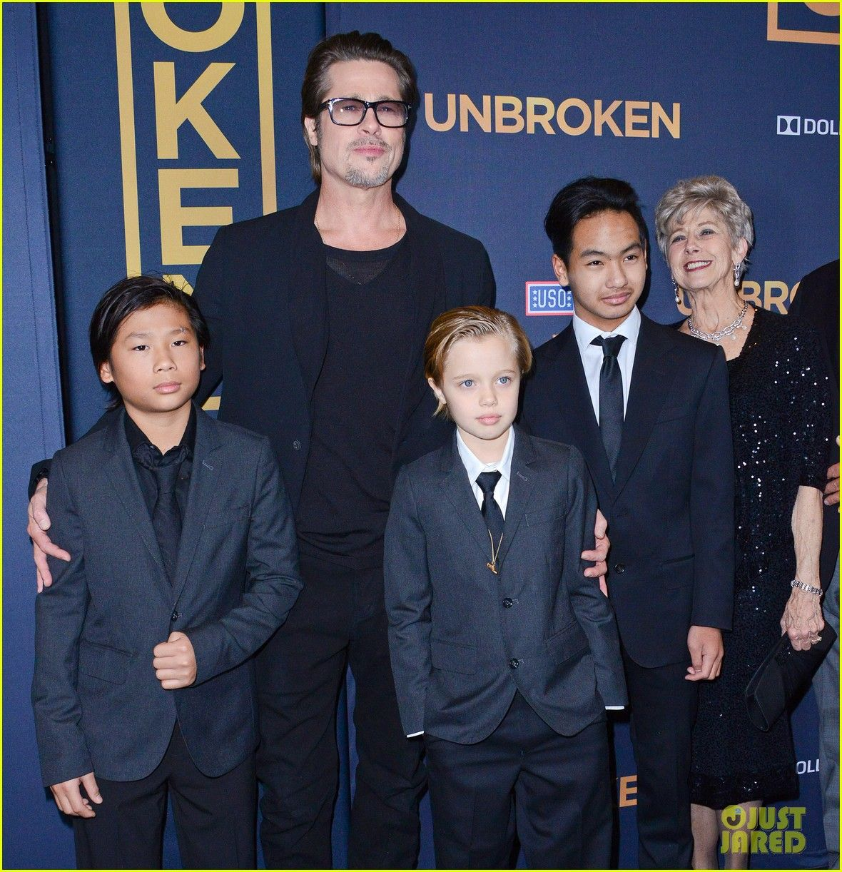 brad-pitt-brings-family-to-unbroken-hollywood-premiere-14