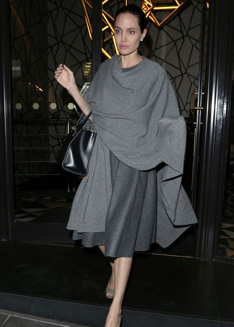 angelina-jolie-steps-out-after-confirming-maleficent-2-role-20