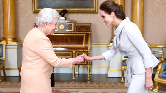 イギリス エリザベス女王