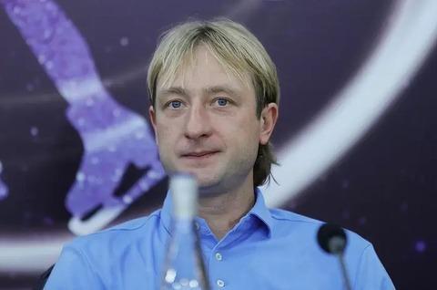 プルシェンコ コストルナヤ移籍問題