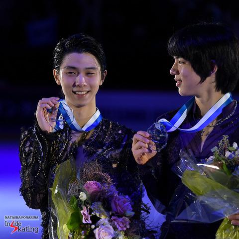 Yuzuru-Hanyu-medal-ceremony-2018-GP-of-Helsinki-14