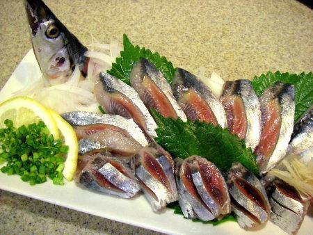 秋刀魚 刺身