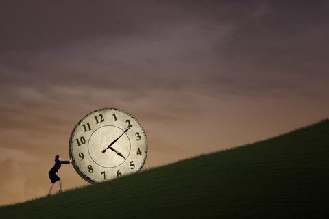 サビ残 女 時計