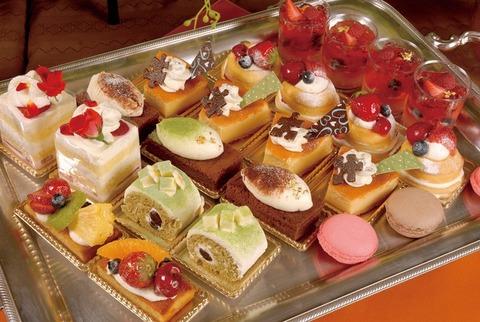 ケーキ 食べ放題