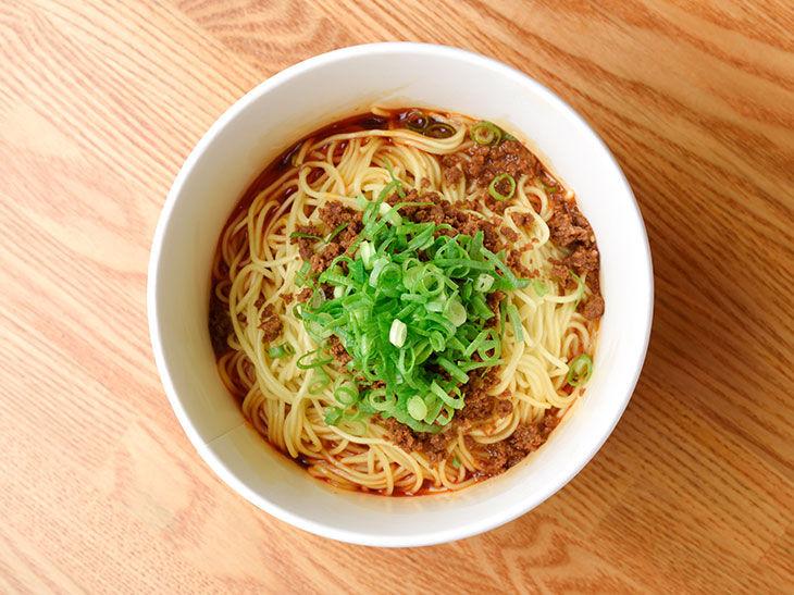 ワイ、汁なし担々麺を食べる : 食い食いブログ