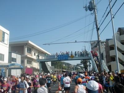 神戸マラソン_20_25km塩屋駅前