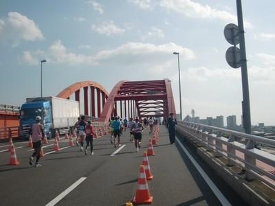 神戸マラソン_27_神戸大橋へ