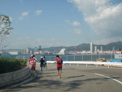 神戸マラソン_30_神戸港を眺めながら
