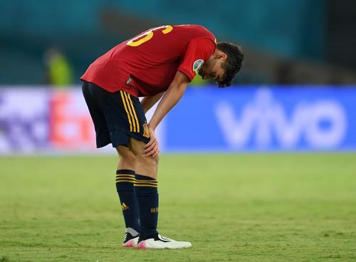 【U24スペイン代表】298日で63試合!東京五輪参戦中のスペイン代表ペドリがやつれて見える「誰か彼を助けてあげて!」