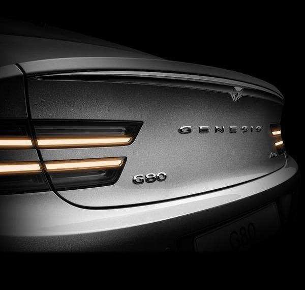 2021-Genesis-G80-Sedan-1