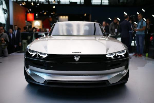 bd325ec7-2018-peugeot-e-legend-concept-25