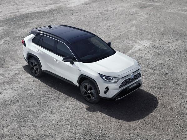 2ca15baa-2019-toyota-rav4-hybrid-11