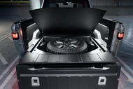 2987f35e-rivian-unveils-r1t-electric-truck-19