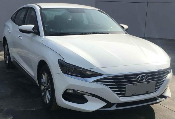 Hyundai-Lafesta-front-three-quarters