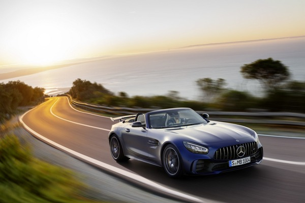 604be08a-mercedes-amg-gt-r-roadster-17
