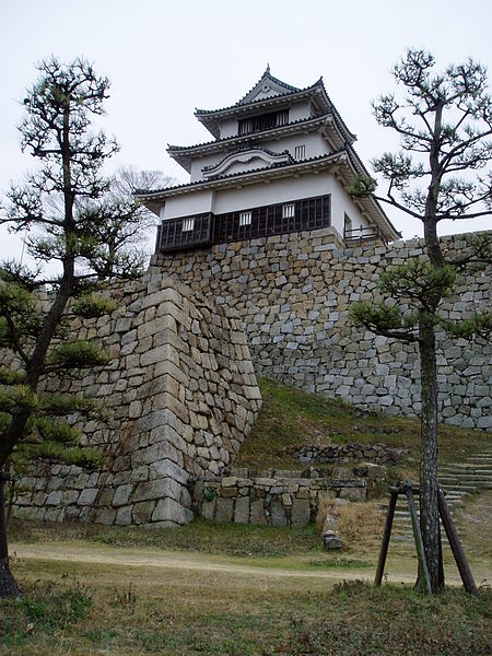 450px-Keep_of_Marugame_Castle