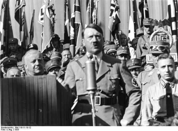 Ortsgruppenfeier_der_NSDAP_Rosenheim