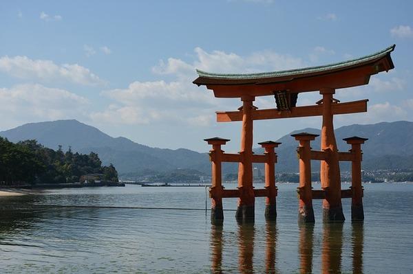 shrine-1030445_640