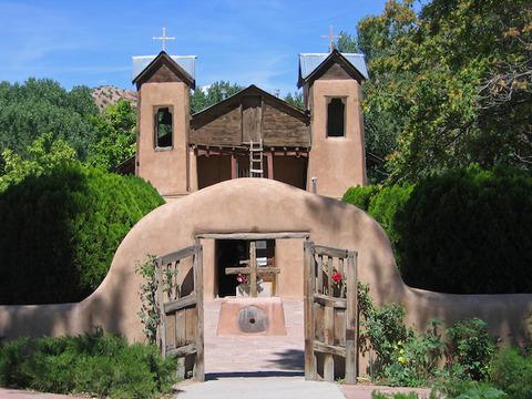 サントワリオ・デ・チマヨ教会(アメリカ)