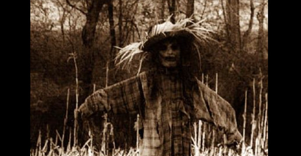 creepy-scarecrow