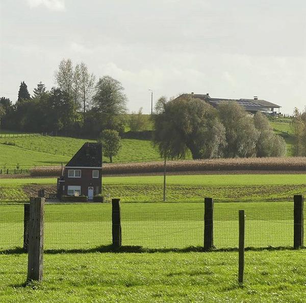 ugly-belgian-houses-52-5cab0a8b873b4__700