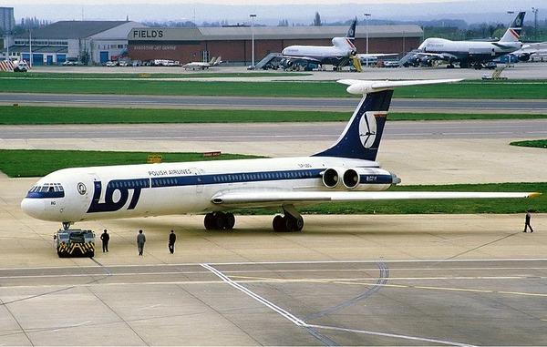 800px-LOT_Ilyushin_Il-62M_Rees