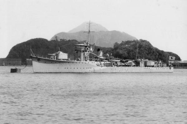 IJN_torpedo_boat_CHIDORI_in_1933