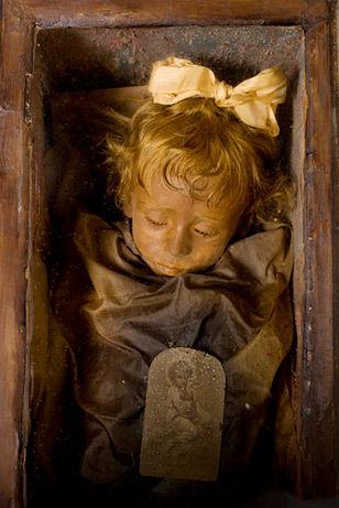 世界一美しいミイラとされるロザリアちゃんの保存方法が発見される