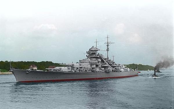 640px-Bundesarchiv_Bild_Bismarck_recolored