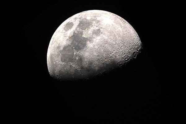 【本当?】NASA 2028年に再び月に人類 送る計画【捏造?】