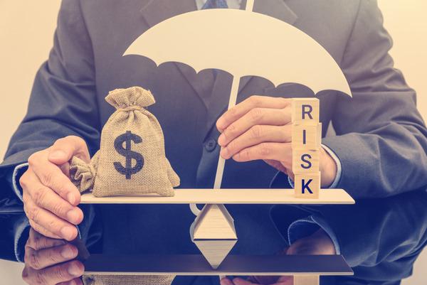 理系「100%で1億円貰えるのと1%で200億円貰えるのは後者の方が期待値が上。前者を選ぶやつは馬鹿」